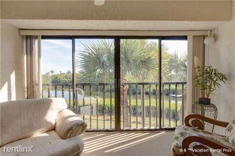 21400 Bay Village Dr, Fort Myers Beach, FL 33931