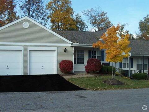 Photo of 9791 Woodcreek Dr, Mentor, OH 44060