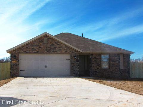 1630 Omaha Dr, Prairie Grove, AR 72753
