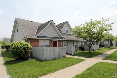 Photo of 1482 Russell Dr, Streetsboro, OH 44241