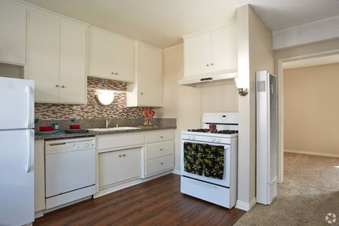 Photo Of 2001 Pacific Coast Hwy Hermosa Beach Ca 90254 Apartment For Rent