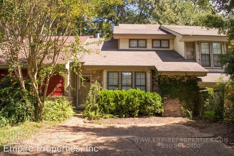 2059 Sandcastle Dr, Tallahassee, FL 32308