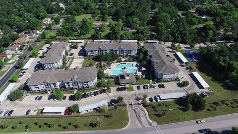 Photo of 2537 Pine Shadows Dr, Huntsville, TX 77320