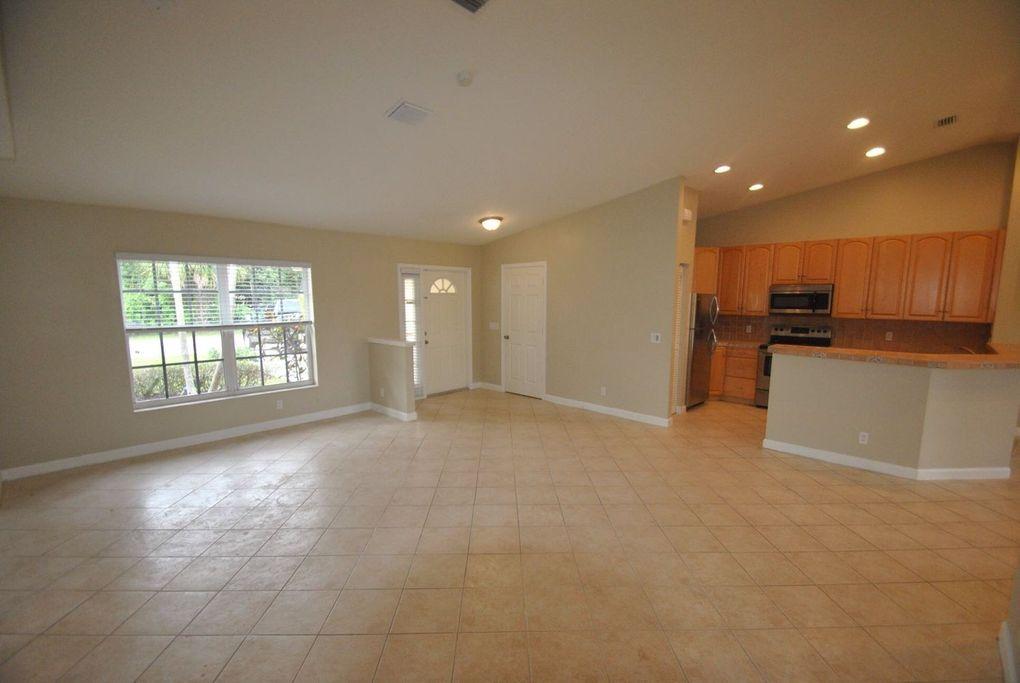 980 Fergusson Ln, West Palm Beach, FL 33415
