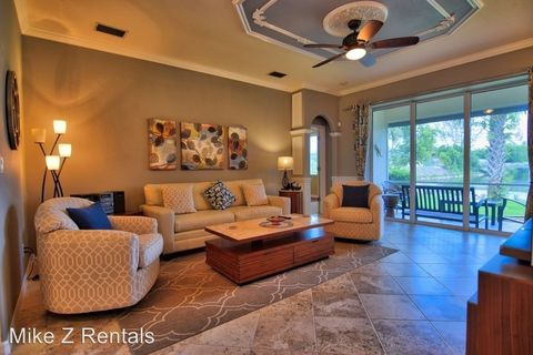 3759 Recreation Ln, Naples, FL 34116