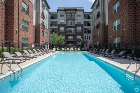 Photo of 430 Allied Pl, Gaithersburg, MD 20877