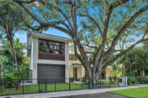 Photo of 6345 Riviera Dr, Coral Gables, FL 33146