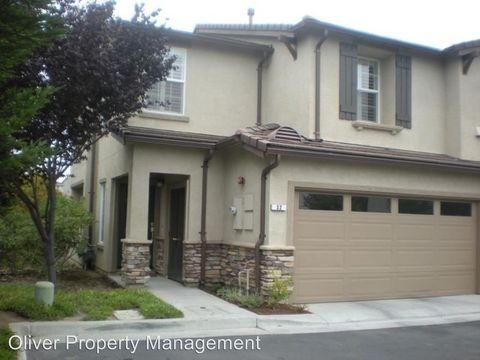 32 La Paz Ct, Watsonville, CA 95076