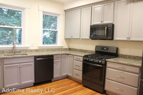 126 Cottage St, Chelsea, MA 02150. Apartment For Rent