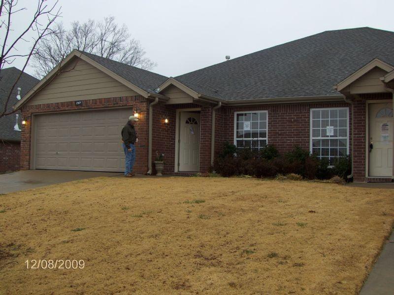 299 Copper Oaks Dr, Centerton, AR 72719