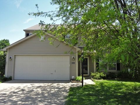 Photo of 3827 Rosefinch Cir, Indianapolis, IN 46228
