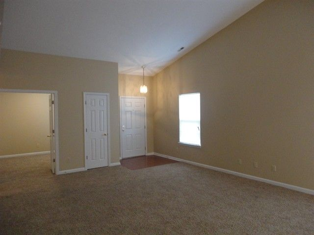 8421 Country Meadows Dr, Indianapolis, IN 46234
