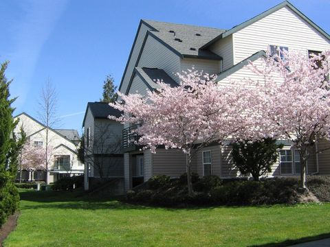 Photo of 720 Se Oak Glen Way, Hillsboro, OR 97123