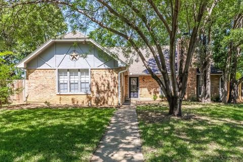 Photo of 24 Lakewood Dr, Hickory Creek, TX 75065
