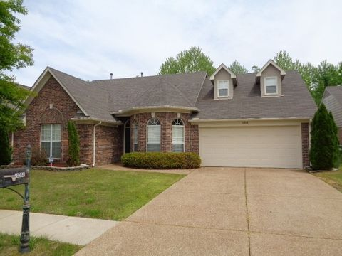 Photo of 10368 Cottage Oaks Dr, Cordova, TN 38016