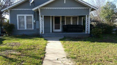 Photo of 1907 Avenue D, Brownwood, TX 76801