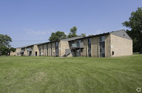 Photo of 507 70th Ave N, Brooklyn Center, MN 55430