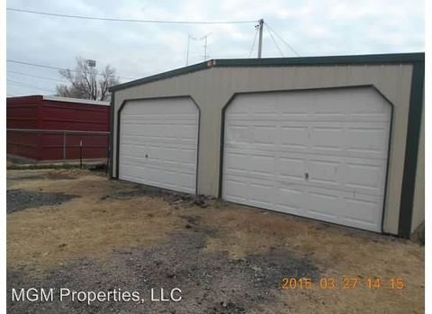 Photo of 1436 Broadway Ave, Great Bend, KS 67530