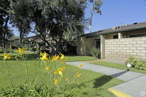 9353 Pioneer Blvd, Santa Fe Springs, CA 90670