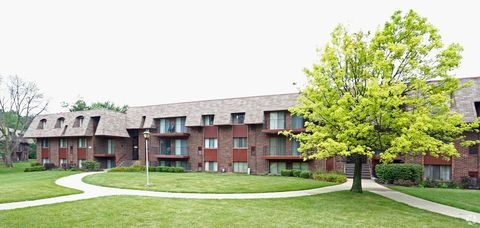 2805 W Glen Flora Ave, Waukegan, IL 60085