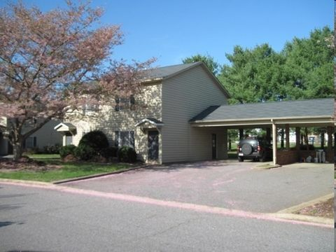 Photo of 1755 20th Avenue Dr Ne, Hickory, NC 28601