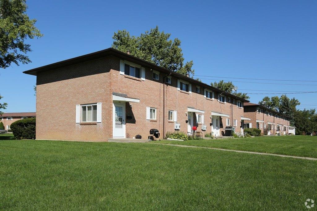 68 325 Gates Manor Dr  Rochester  NY 14606