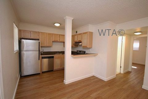 Photo of 2202 Unit 20312 And 2204 Enfield Rd, Austin, TX 78703