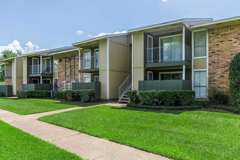 Photo of 3190 Eastex Fwy, Beaumont, TX 77703