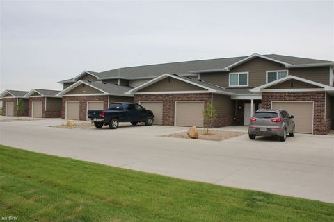 315 N Norbeck St, Vermillion, SD 57069
