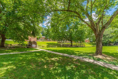 Photo of 3937 Glenwood Rd, Decatur, GA 30032