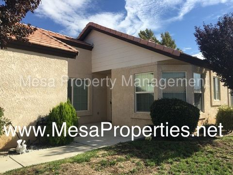 11529 Park Ln, Apple Valley, CA 92308