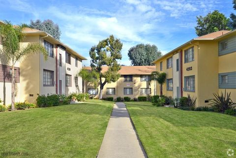 4220 Santa Rosalia Dr, Los Angeles, CA 90008