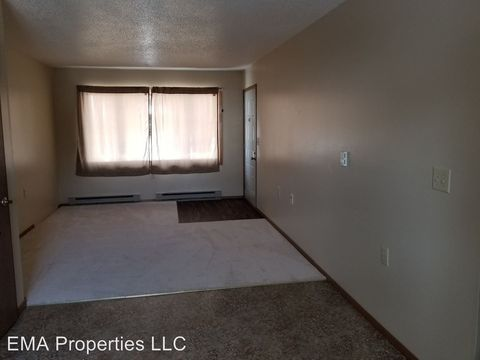 Photo of 608 W 3rd St, Webster, SD 57274