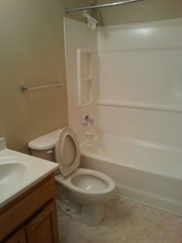 Photo Of 9746 Drew St Ozone Park Ny 11416 Apartment For Rent