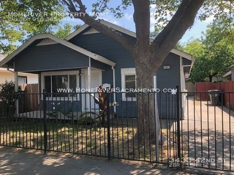 Photo Of 3433 42nd St Sacramento Ca 95817 House For Rent