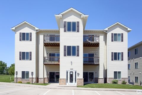Downtown Waterloo, Waterloo, IA Apartments for Rent