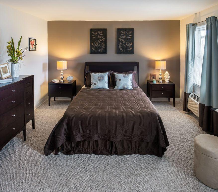 Stonybrook Apartments: 390 Blue Ledge Dr, Roslindale, MA 02131