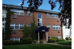 Photo: Minikahda Court Apartments; 3504 Minikahda Ct, Saint Louis Park, MN  55416