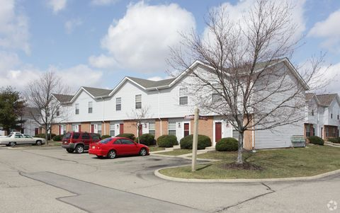 1237 Watermark Dr, Lancaster, OH 43130