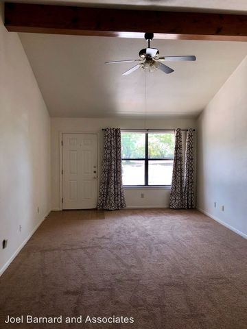 Photo of 1406 Earle St, San Marcos, TX 78666