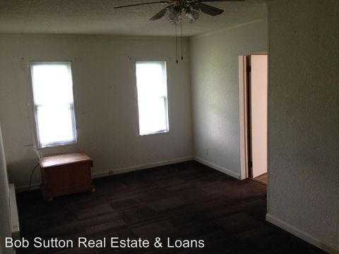 Photo of 223 College St, Poplar Bluff, MO 63901