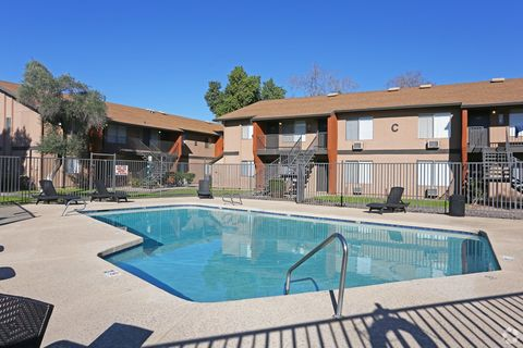 Photo of 645 N Country Club Dr, Mesa, AZ 85201