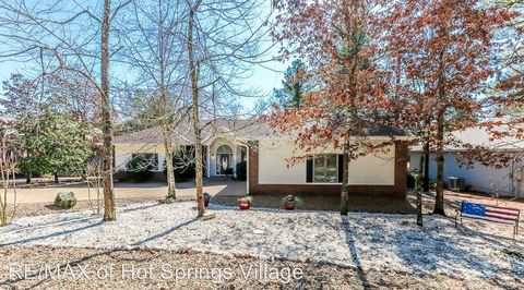 Photo of 214 Pizarro Dr, Hot Springs Village, AR 71909