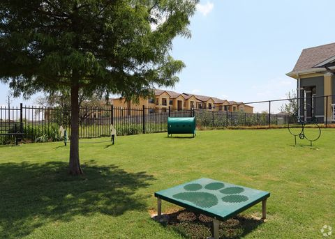 Photo of 2650 Western Center Blvd, Fort Worth, TX 76131