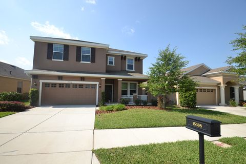 15308 Starling Crossing Dr, Lithia, FL 33547. House For Rent