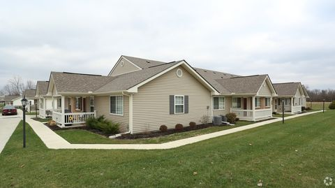 Photo of 2009 Spring Meadow Dr, Springfield, OH 45503