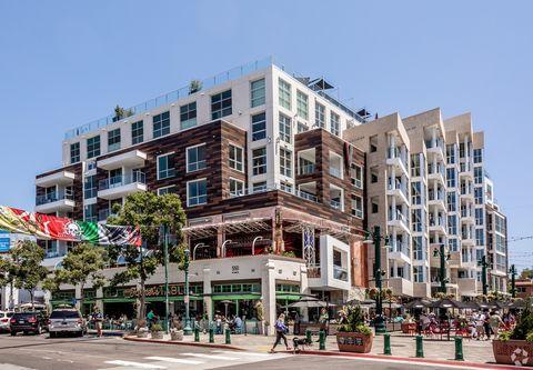 Photo of 550 W Date St, San Diego, CA 92101