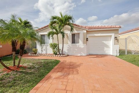 17566 Sw 143rd Pl, Miami, FL 33177