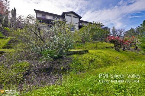 14422 Liddicoat Cir, Los Altos Hills, CA 94022