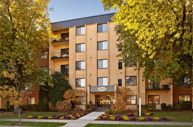 Cook Apartments at Libertyville